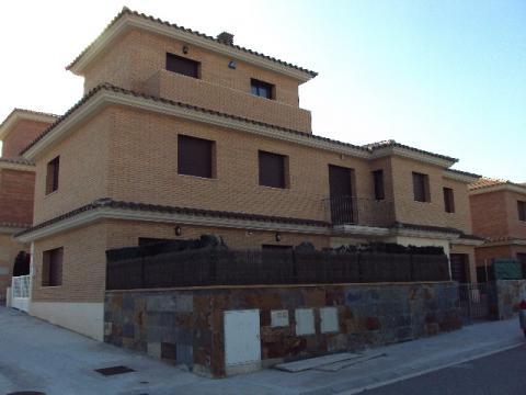 Alquiler de casa en tarragona zona montblanc - Pisos alquiler montblanc ...