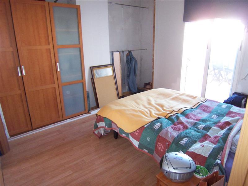 Tico en alquiler en valencia olivereta av cid calle for Dormitorio 10m2