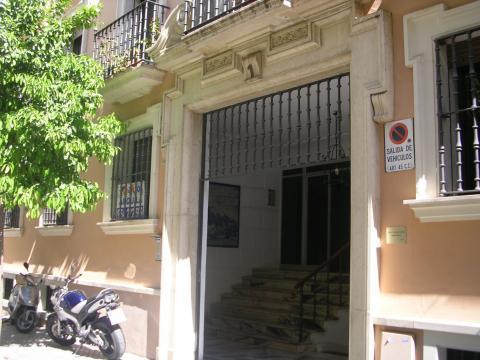 Piso en alquiler en sevilla centro calle rafael gonzalez abreu for Pisos y casas en sevilla