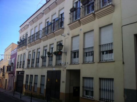 Apartamento en alquiler en badajoz casco antiguo calle for Alquiler oficinas badajoz