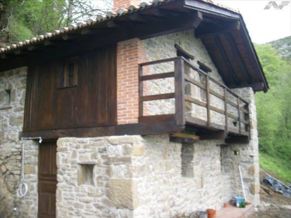 Ventanas de madera en asturias cool sobre de casas rsticas en galicia y asturias with ventanas - Muebles infiesto ...
