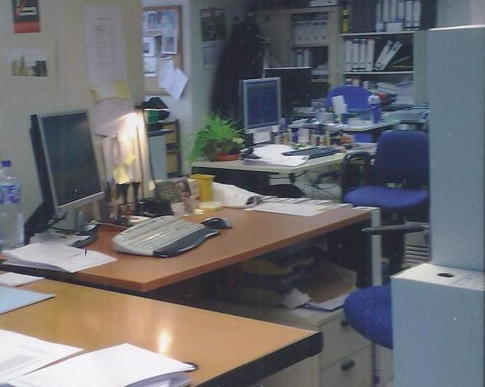 Oficinas de alquiler en valencia for Oficinas la caixa valencia capital