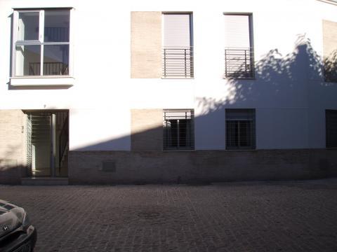 Piso en alquiler en sevilla centro calle santa rita 9 for Alquiler piso sevilla particular amueblado