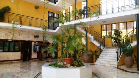 Estudio en alquiler en sevilla sevilla este calle glorieta for Piso estudio sevilla