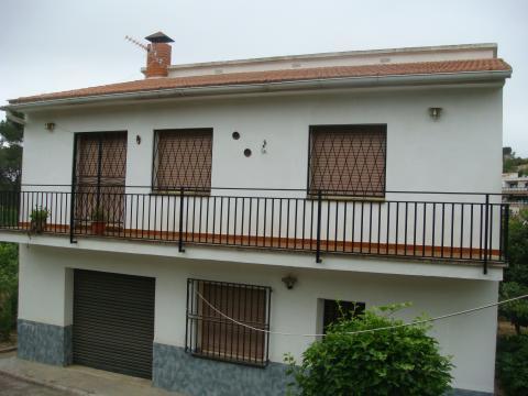 Casas de alquiler en barcelona for Casa alquiler barcelona jardin